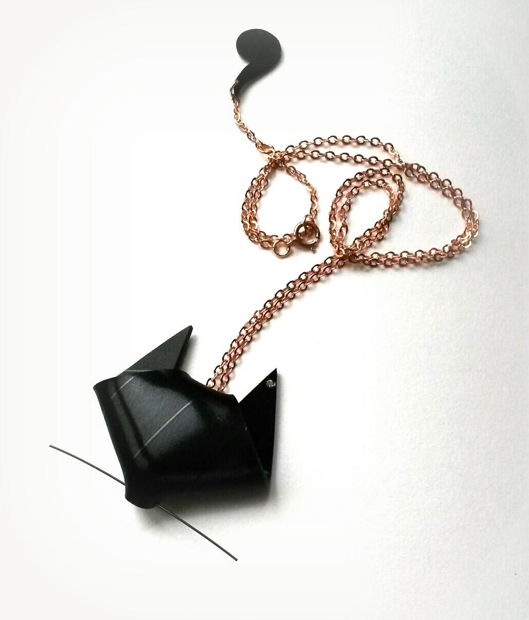 Pendentif BM Corp origami vinyle