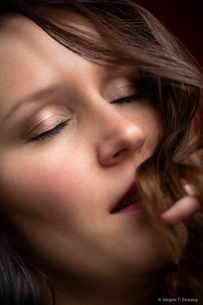 Beauty Shooting, Fotoshooting, gewerbliche Buchung, mobile Visagistin, Make-up Artist, Nude Make-up