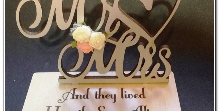 Personalized Mr & Mrs stand