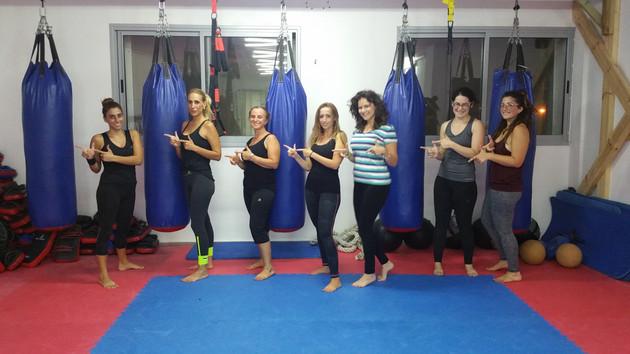 קבוצת הבנות אחרי אימון קרדיו אלוף :)
