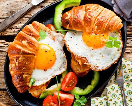 breakfast-food-bread-fried-eggs-tomato-c