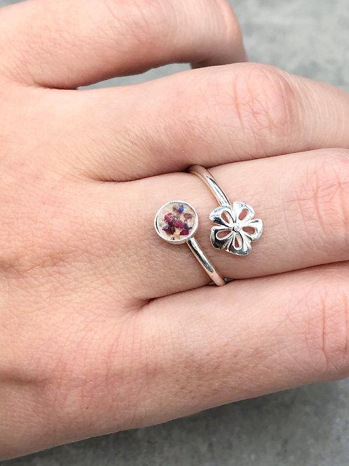 Flower Memorial Flower Bezel Ring