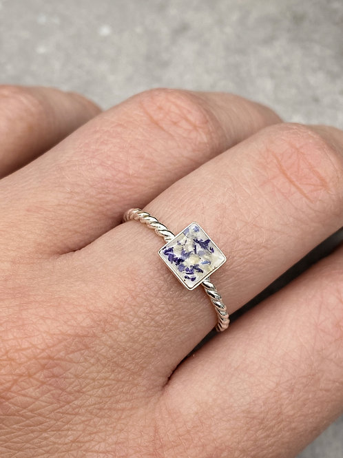 Flower Memorial Dainty Square Ring (Twisted Band)