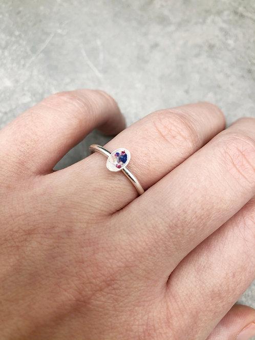 Flower Memorial Dainty Oval Ring (Plain Band)