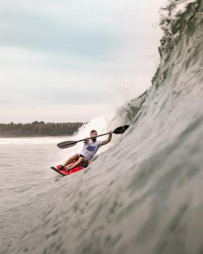 Waveski-surfing