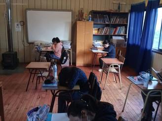 ALUMNOS DE LA QUIRIHUA FELICES TRAS EL RETORNO A CLASES PRESENCIALES