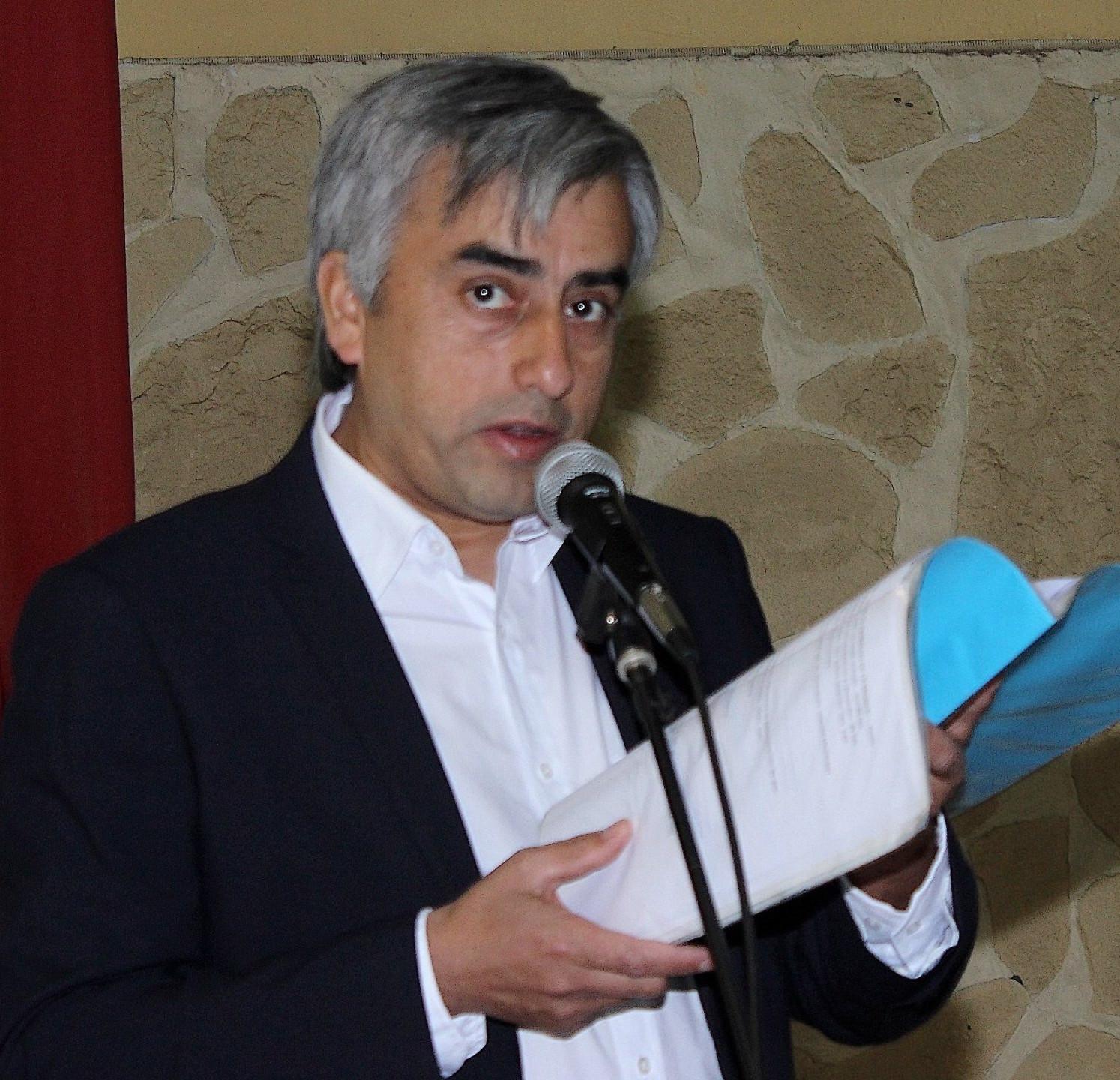 3 PROFESOR ROJAS CARBULLANCA