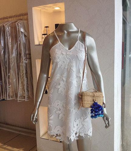 Vestido curto branco de renda (P,M)