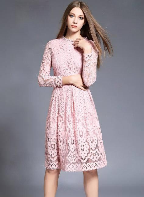 Vestido de renda rosé com manga comprida (G)
