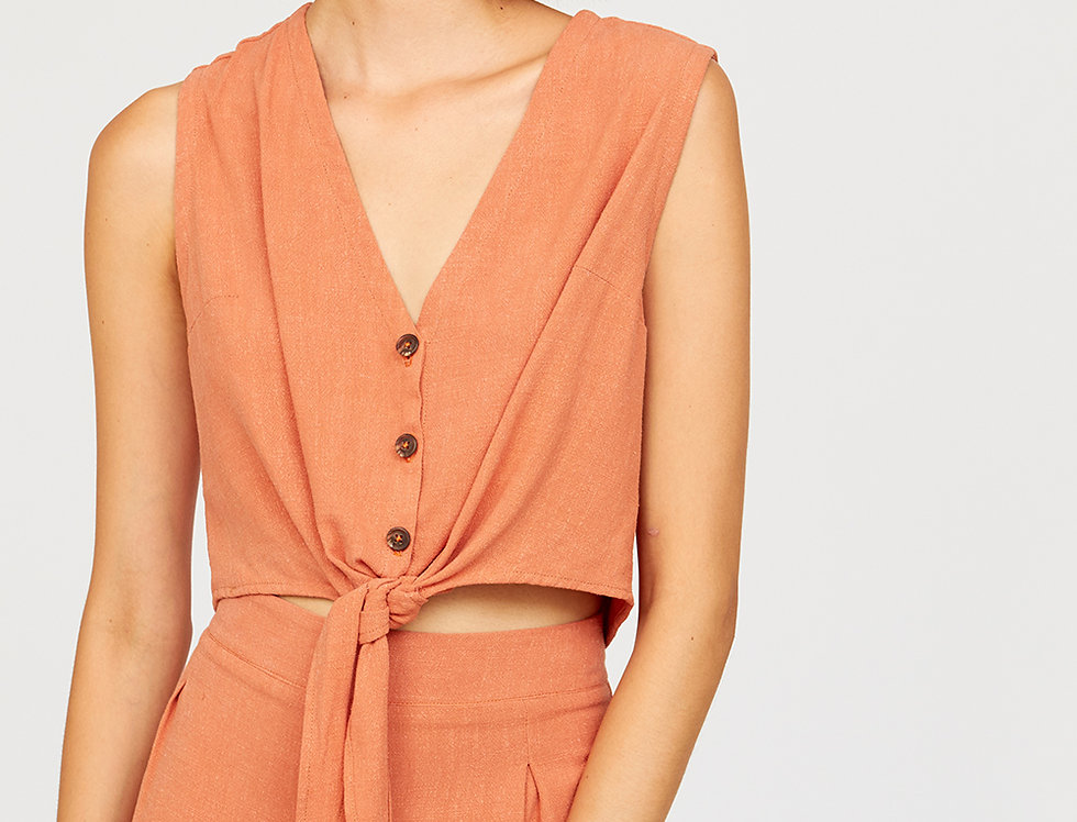 Buttoned knot top