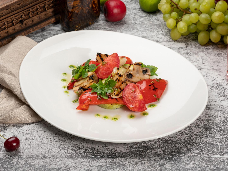 Салат овощи гриль_1600х1200.jpg