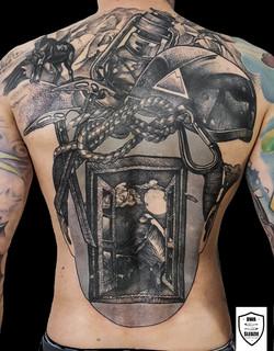 tatuaż górski, plecy