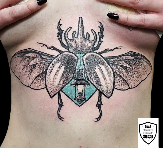 tatuaż underboob