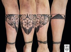 tatuaż geometryczny, opaska