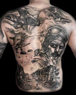 tatuaż graficzny, plecy