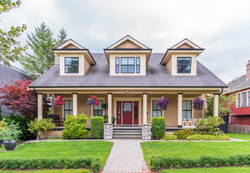 bigstock-Houses-in-suburb-at-Summer-in--