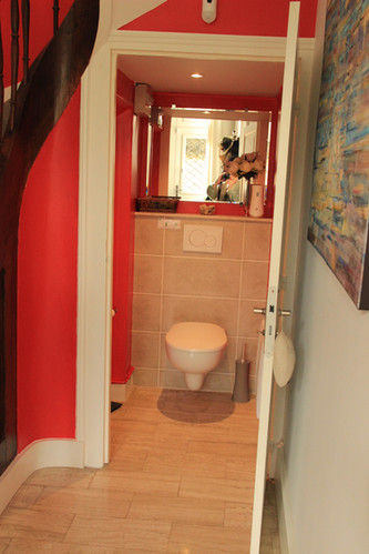Toilette chambre rouge