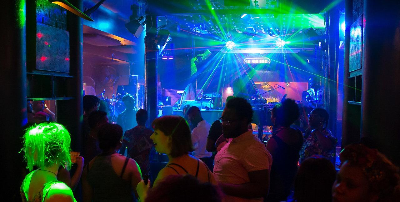 Les meilleures soirées Afro Caribbéennes de Londres c'est ici. Participe aux prochaines Sunday Sorbet et Caribbean Sunday !