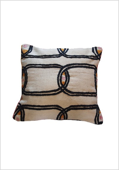 handembroidered-kilim-cushion-hk2