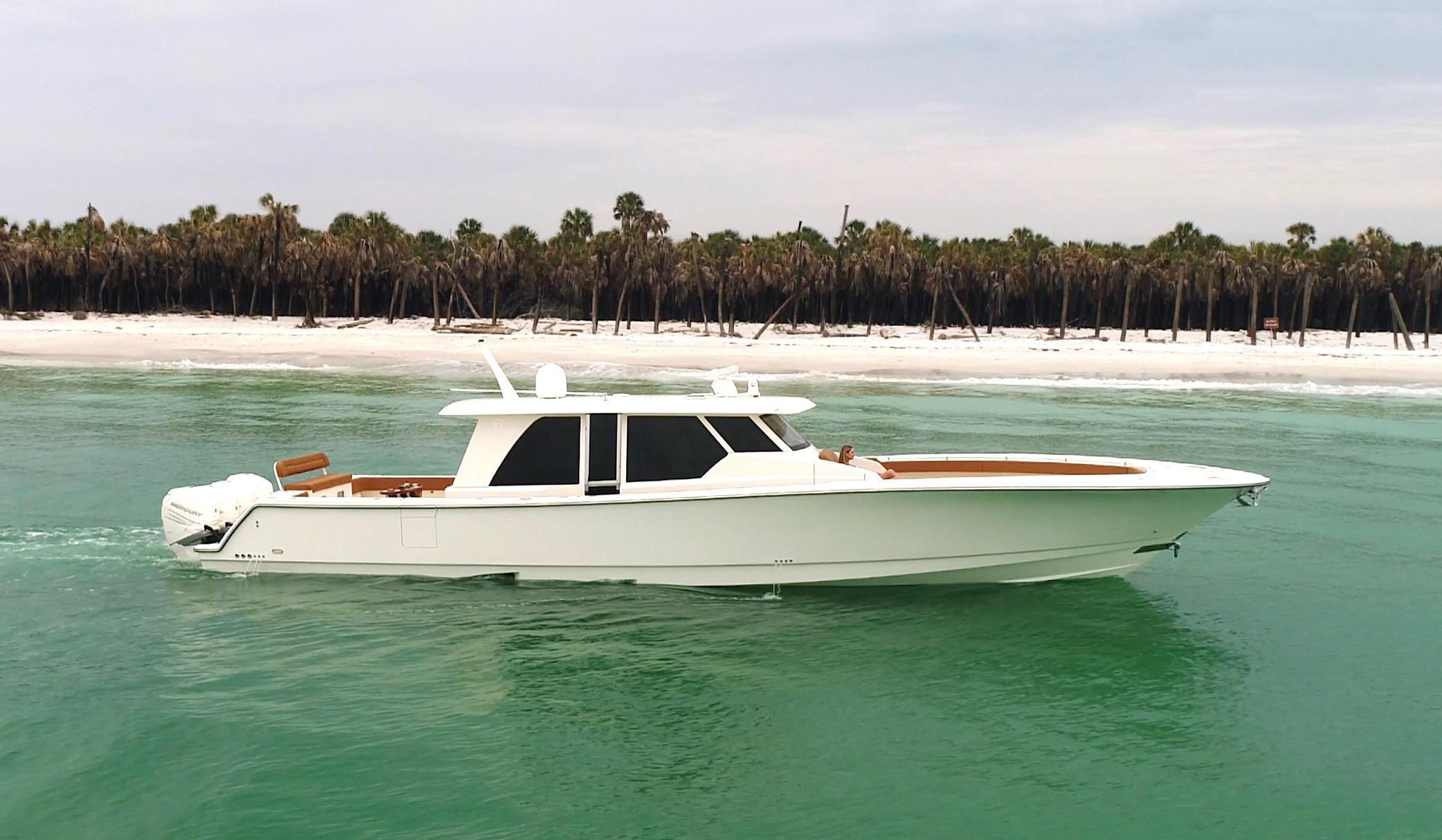 gulfstream yachts 52 white full profile.