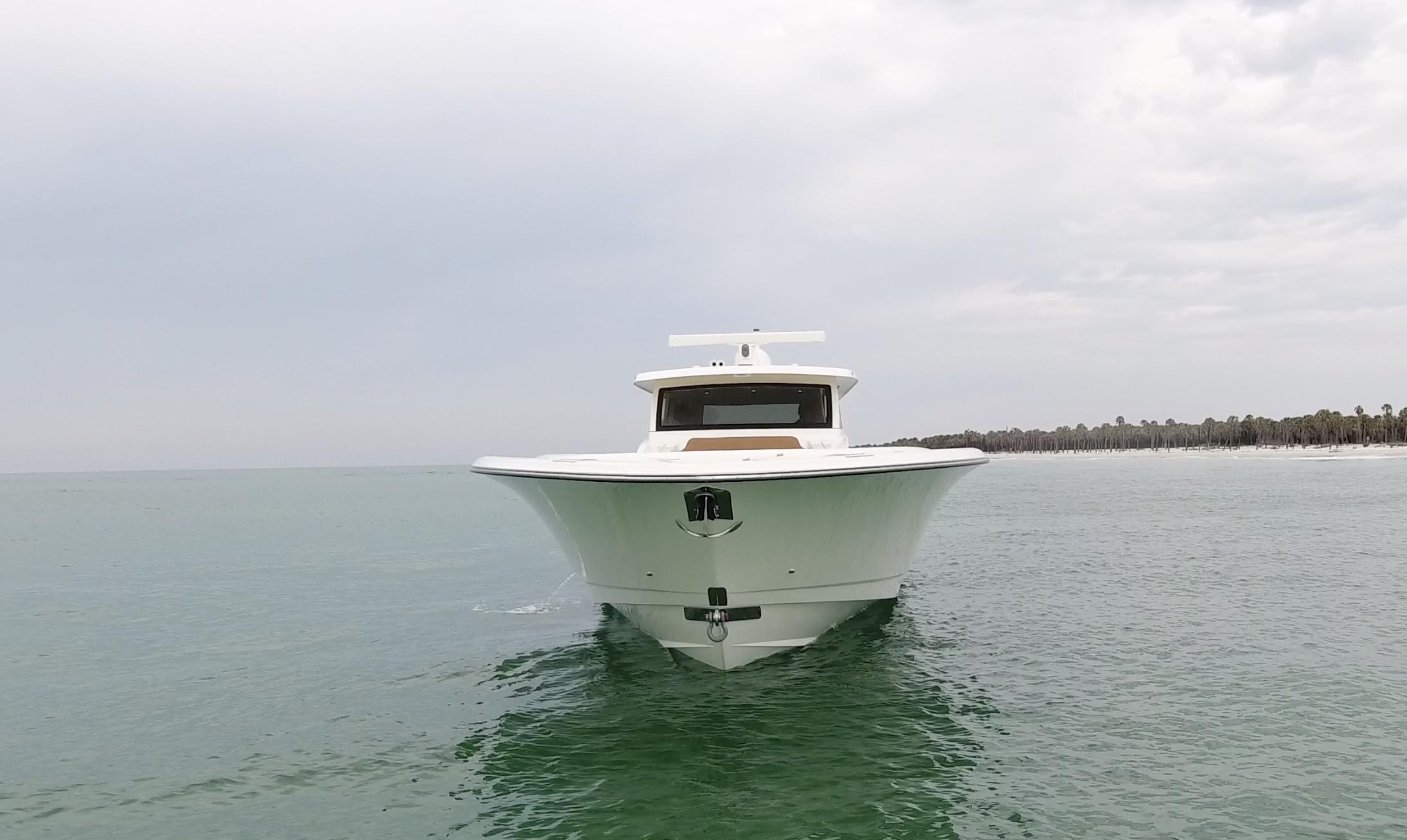 gulfstream yachts 52 white bow