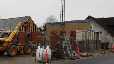 Kirkehuset i Ejstrupholm snart klar til rejsegilde