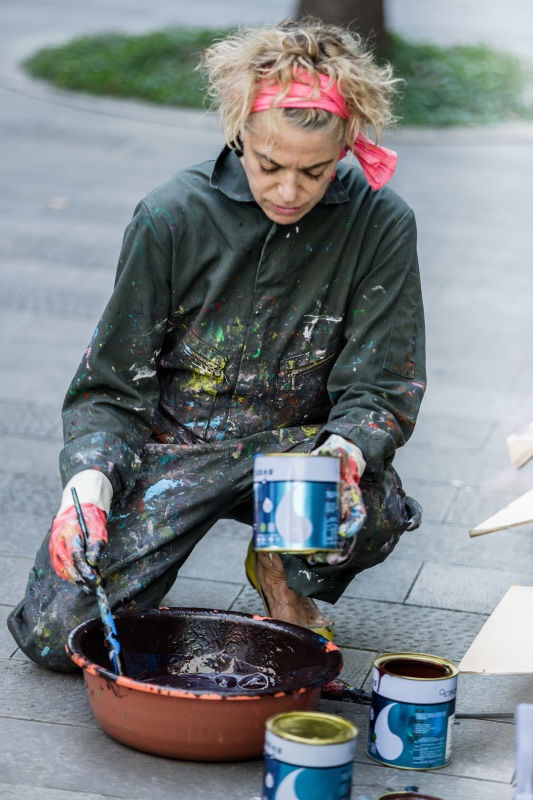 MIXING PAINT FOR THE GRAFFITY BUILDING