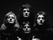 Queen-II-veils.png