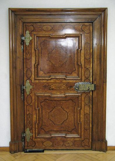 Restaurierung Walser historische Zimmertür