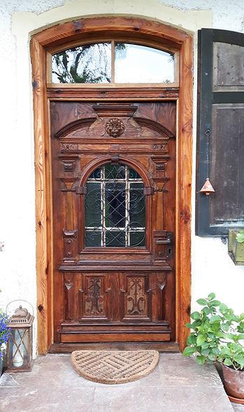 Restaurierung Walser historische Haustür nachher