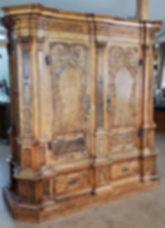 Restaurierung Walser Barockschrank