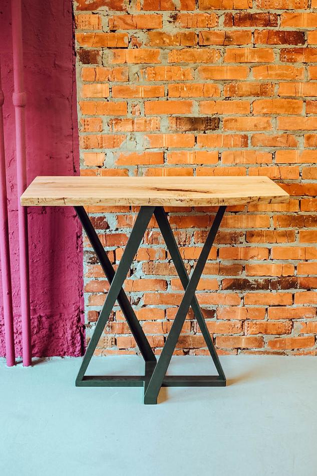 Консольний стіл