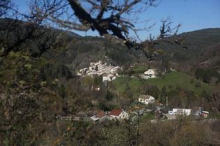 Village de Valdrôme dans le Haut-Diois entre Vercors et Baronnies où se situe l'auberge de Valdrôme : hébergement, bar, restaurant