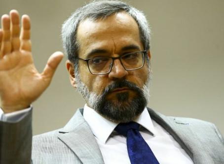 Justiça condena União por ofensa de Weintraub à comunidade acadêmica