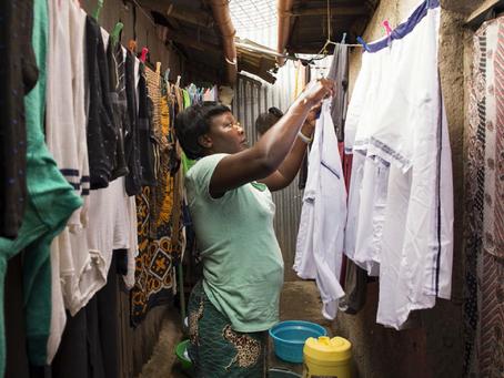 Trabalho não remunerado realizado por mulheres representa US$ 10,8 tri por ano no mundo