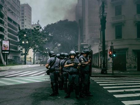 Nova Lei Antiterrorismo é aposta de Bolsonaro para reprimir protestos sociais no país