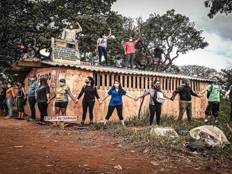 Em plena pandemia, governo do DF despeja violentamente famílias e destrói escola local