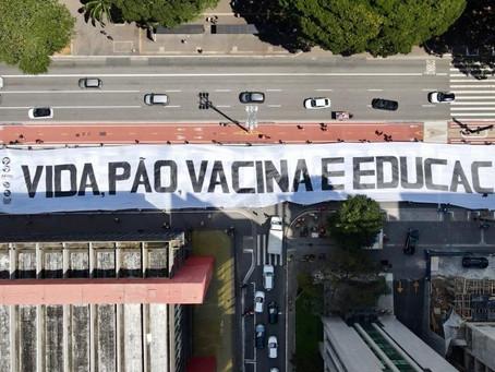 Por vida, pão, vacina e educação estudantes realizam atos pelo Brasil