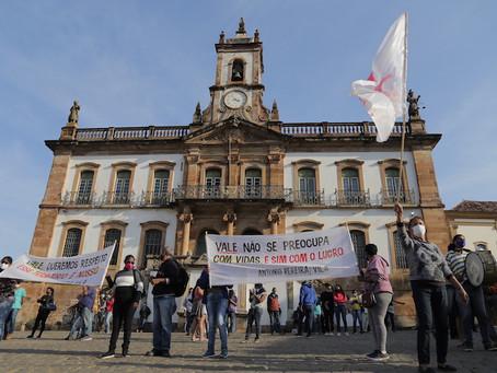 Garimpeiros e moradores de Antônio Pereira manifestam no centro de Ouro Preto
