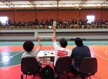 Assembleia Geral ADUFOP rejeita indicativo de greve da categoria por tempo indeterminado