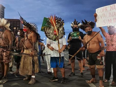 Povos indígenas protestam em Brasília em defesa de seus direitos