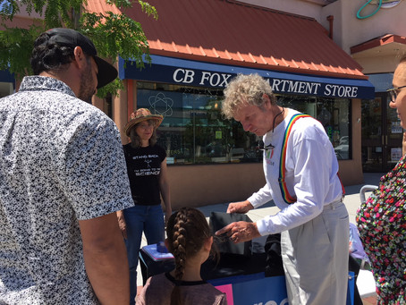Science Busking in the Streets of Los Alamos!