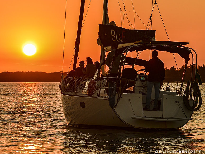 NavegaPOA-passeio-de-barco-porto-alegre.