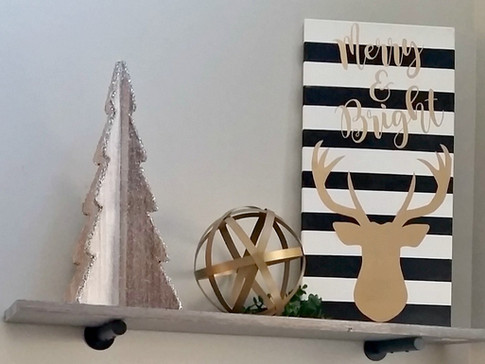 DIY Merry & Bright Christmas Canvas