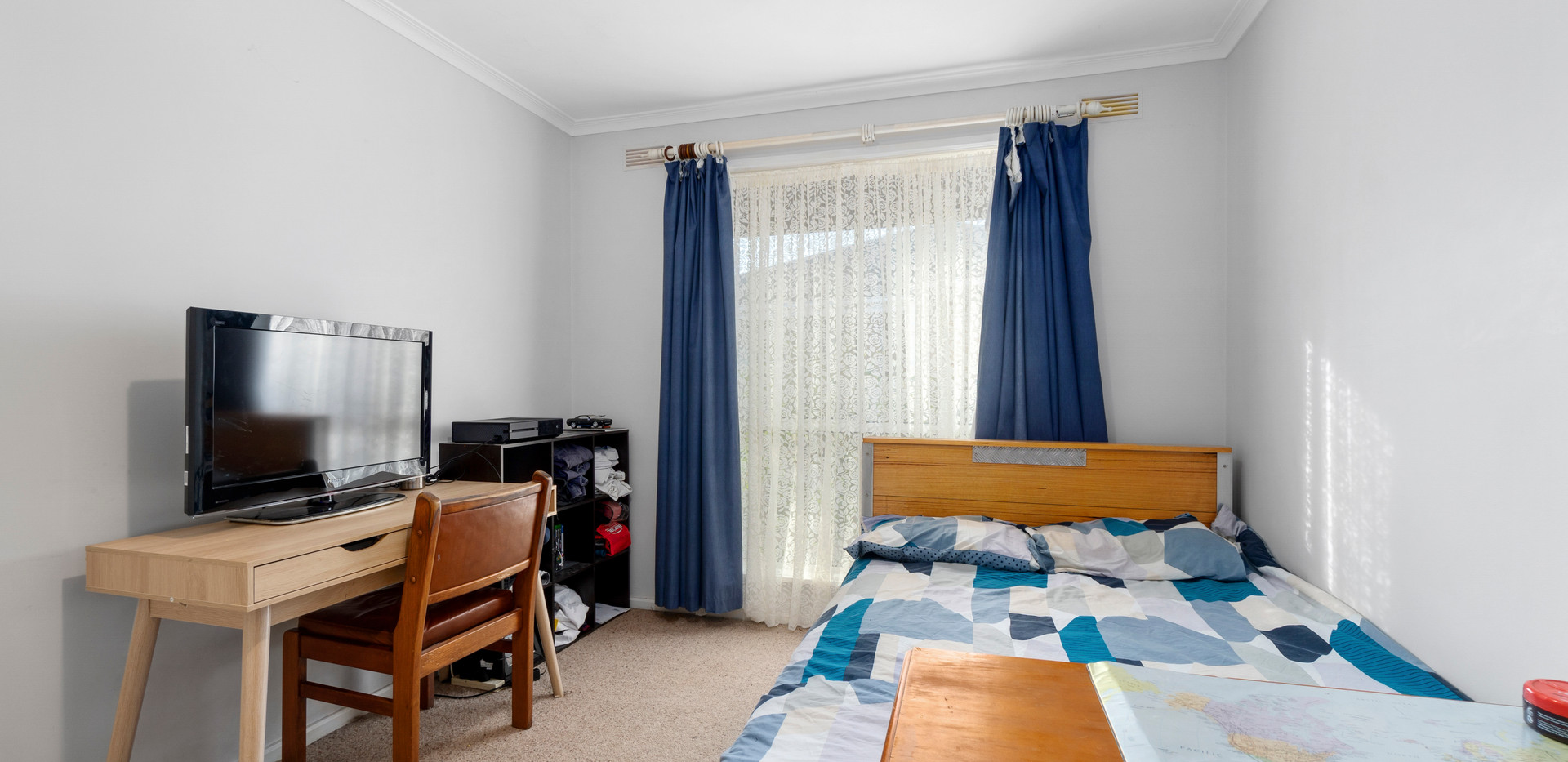 009_Open2view_ID649114-41_Valentine_Cres