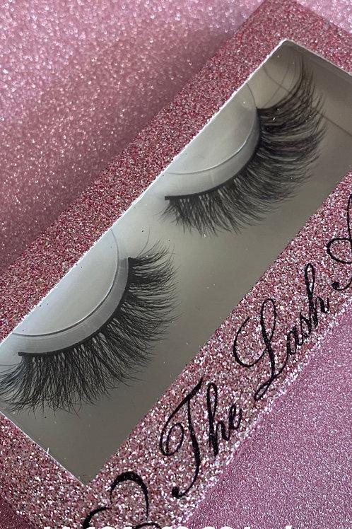 LA 124 whispy smaller lash to bigger lash eyelashes , strip lashes