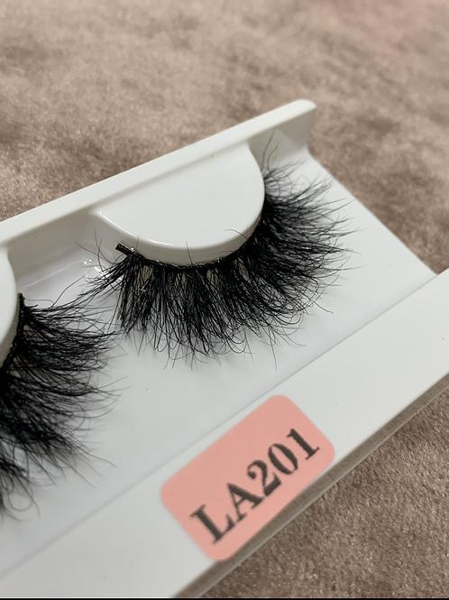 LA201 Eyelashes Whispy Curly Lash