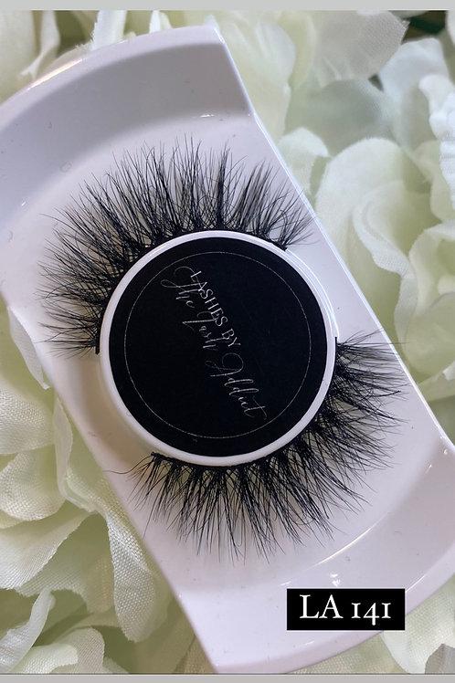 LA141 Fluffy whispie Eyelashes