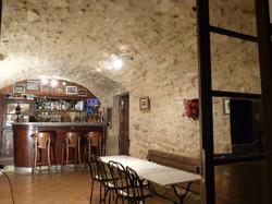 Bar avec pièce voûtée