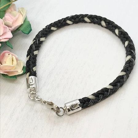 Horseshoe Design Endcap Bracelet